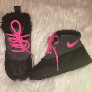 Toddler Nike size 8 boots